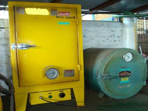 A Baking Oven (Yellow) and a Holding Oven (Green)
